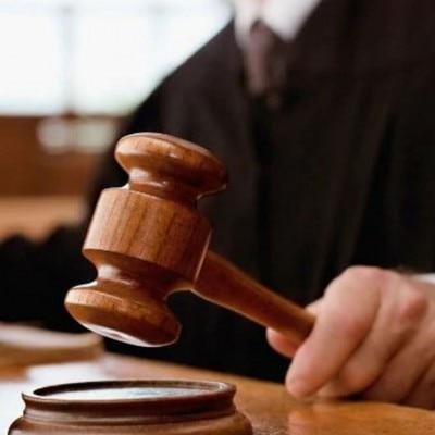 कोर्ट द्वारा सुनाई गई सजा से परिवार संतुष्ट नहीं है और फांसी की मांग कर रहा है.