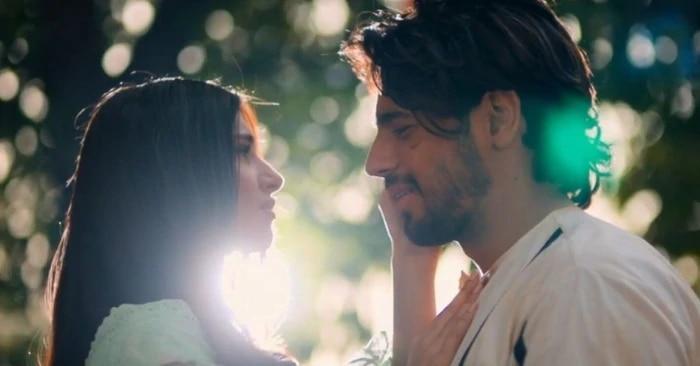 फिल्म 'मरजावां' के एक सीन में सिद्धार्थ मल्होत्रा और तारा सुतारिया.