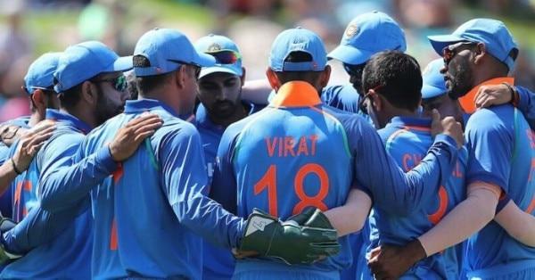 वनडे जर्सी में मैदान पर मौजूद भारतीय क्रिकेट टीम फोटो: भारतीय क्रिकेट फेसबुक