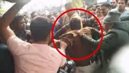 फरीदाबाद में भीड़ ने दिनदहाड़े पुलिस वाले को ही पीट दिया