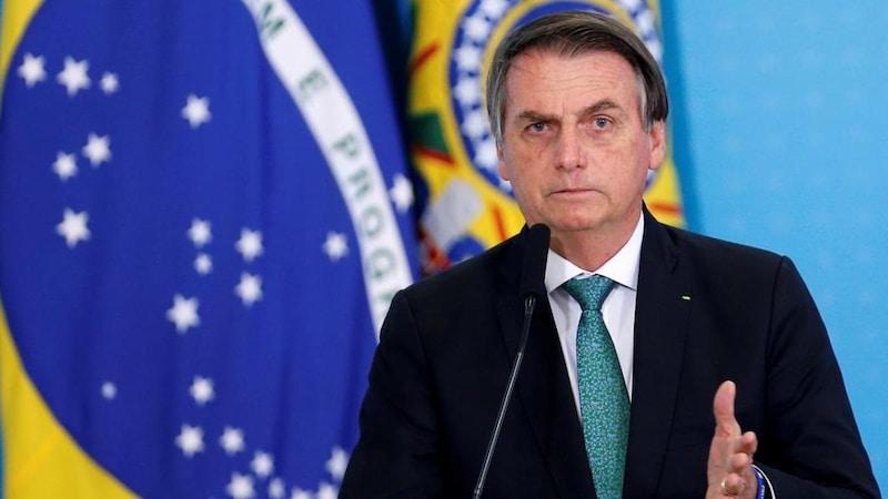 ब्राज़ील का वो राष्ट्रपति, जो तानाशाहों का फैन है और महिलाओं को 'वेश्या' कहता है