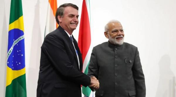 ब्रासिलिया में हुए 11वें BRICS समिट में पीएम मोदी ने जायेर को मुख्य अतिथि के रूप में रिपब्लिक डे पर बुलाने की बात कही. जायेर ने उनका निमंत्रण स्वीकार भी कर लिया. फोटो: ANI