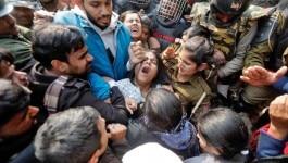 CAA प्रोटेस्टः जामिया की छात्राओं का आरोप- पुलिस ने प्राइवेट पार्ट पर डंडों से मारा