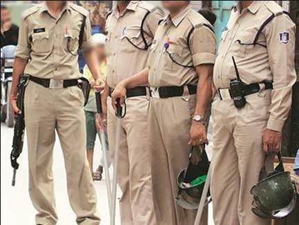 भोपाल पुलिस का कहना है कि इस क्लीनिक के बारे में किसी ने नाम ना बताने की शर्त पर शिकायत की थी उसके बाद पुलिस ने छापा मारा (तस्वीर इंडिया टुडे)