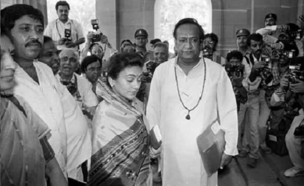13. Dipika And Arvind Trivedi Ravan On Parliament Entry