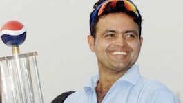 सहवाग के उतरे कंधे की वजह से सालों साल खेल गया टीम इंडिया का ये बल्लेबाज़!