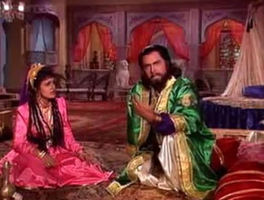 अलिफ़ लैला में जैसे बादशाह क़िस्सा सुनाते हैं बेग़म को (तस्वीर अलिफ़ लैला यूट्यूब ग्रैब)