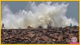 'अम्फान' आ चुका है, पश्चिम बंगाल में दो की मौत, कई घरों को नुकसान