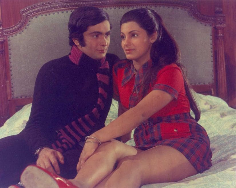 फिल्म 'बॉबी' के एक सीन में इंडिया दो हार्टथ्रॉब्स ऋषि कपूर और डिंपल कपाड़िया.