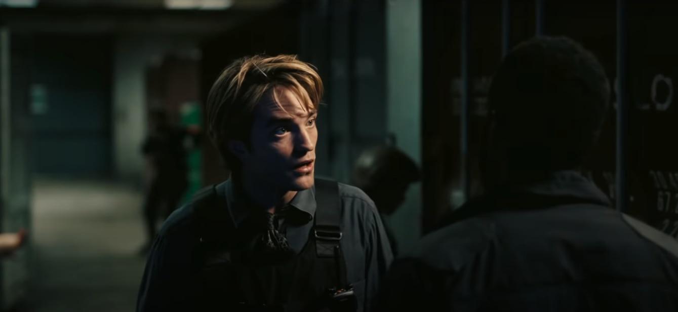 दुनिया बचाने में ये चुने गए एजेंट की मदद करेंगे. रॉबर्ट पैटिंसन. चार साल में 'ट्वाइलाइट सीरीज़' की पांच फिल्में कर सुपरस्टार बन गए. आने वाले दिनों में बैटमैन बनने वाले हैं.
