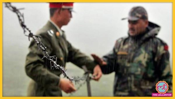 भारत और चीन सेना के जवान. यह फोटो साल 2006 की है. (File Photo:AP)