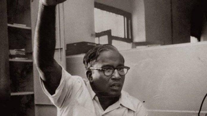 केरल के मुख्यमंत्री और प्रमुख मार्क्सवादी नेता ईएमएस नम्बूदरिपाद