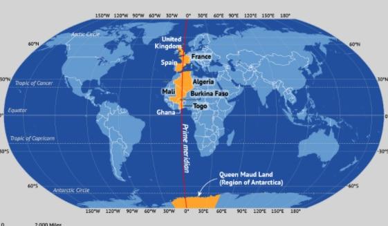 लाल रंग में ग्रीनविच मीन टाइम निर्धारित करने वाली रेखा. इसे प्राइम मेरीडियन भी कहते हैं. फोटो: mapsofworld.com