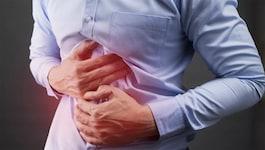ज़्यादा मिर्च, मसाला खाते हैं तो पेट में होने वाली जलन को इग्नोर करना खतरनाक हो सकता है