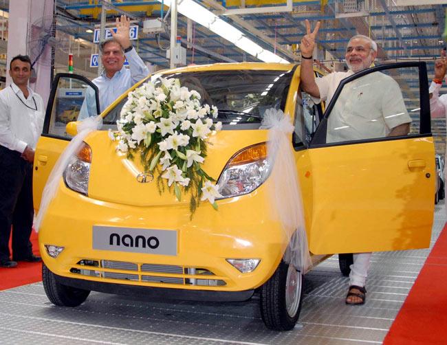 Narendra Modi And Ratan Tata On Nano Unveil
