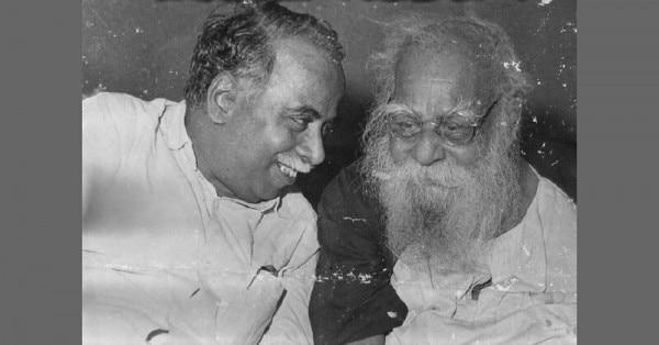 पेरियार (दाएं) के साथ अन्नादुरै.