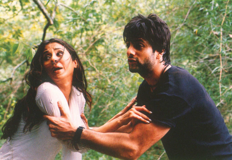 फिल्म 'जानवर' के एक सीन में उर्मिला मातोंडकर के साथ फरदीन खान.
