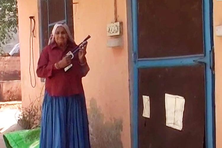 शूटर दादी चंद्रो तोमर. फोटो- स्पेशनल अरैंजमेंट
