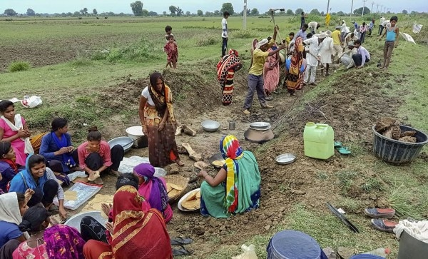 Villagers Work For Free In Banda