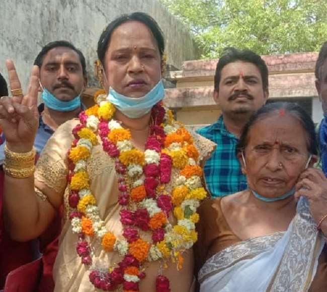 चुनाव प्रचार के दौरान काजल किरण. फोटो फेसबुस के ली गई है.
