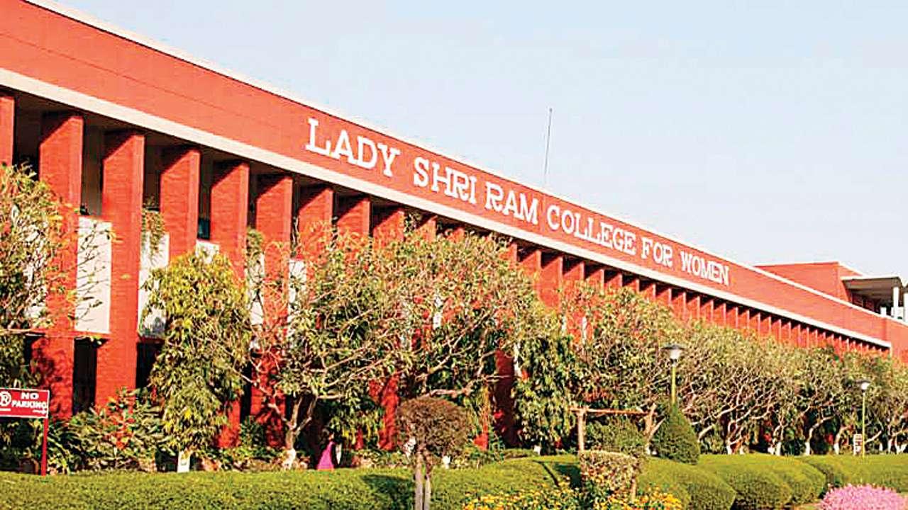 दिल्ली विश्वविद्यालय का लेडी श्रीराम कॉलेज फॉर विमेन. एकेडेमिक्स के क्षेत्र में इस कॉलेज की गिनती देश के शीर्ष कॉलेजों में होती है. स्त्री सशक्तिकरण के क्षेत्र में भी इस कॉलेज ने नए प्रतिमान गढ़े हैं. (फोटो: कॉलेज की वेबसाइट)