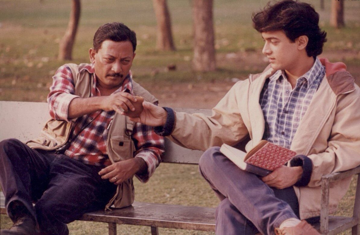 फिल्म 'सरफरोश' की शूटिंग के दौरान आमिर खान और जॉन मैथ्यू.
