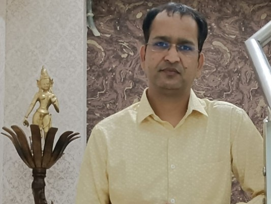Dr Akhil Agrawal