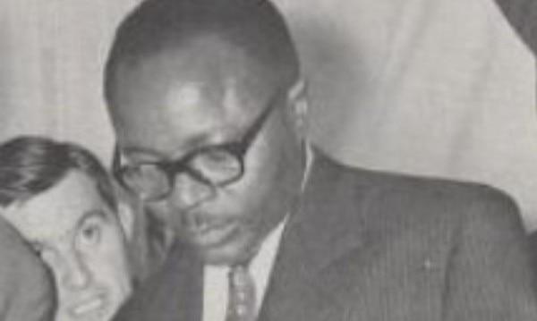 बुरकिना फ़ासो के पहले राष्ट्रपति मॉरिस यामेओगो. तब इस देश का नाम था 'रिपब्लिक ऑफ़ अपर वोल्टा'.
