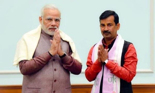 प्रधानमंत्री नरेंद्र मोदी के साथ अयोध्या के मेयर ऋषिकेश उपाध्याय. (फोटो- फेसबुक)