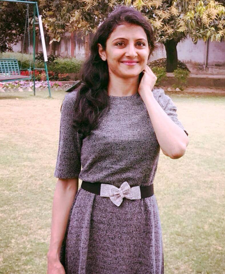 Ritu Suhas ने बच्चों को ट्यूशन पढ़ाया. इससे ना केवल उन्हें आत्मनिर्भर महसूस कराने वाली पॉकेट मिली, बल्कि तैयारी के लिए सिलैबस भी रिवाइज हो गया. (फोटो: विशेष प्रबंध)