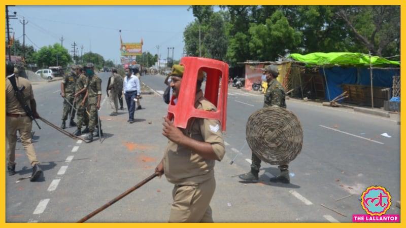 आत्मरक्षा की 'निंज़ा टेक्निक' अपनाने वाले उन्नाव के इन पुलिसवालों को सस्पेंड क्यों कर दिया गया?