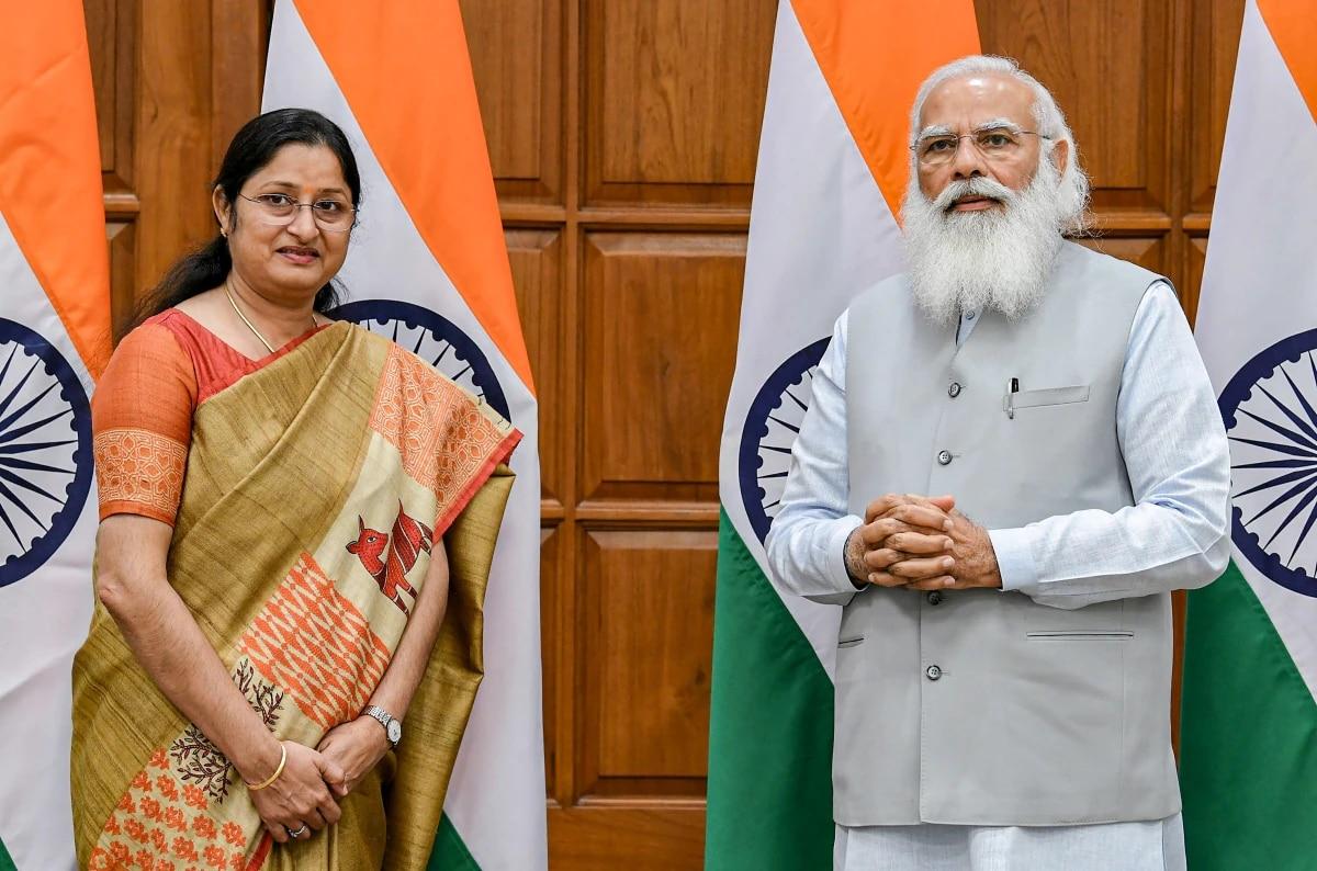 पीएम मोदी के साथ अन्नपूर्णा देवी. (फोटो: PTI)