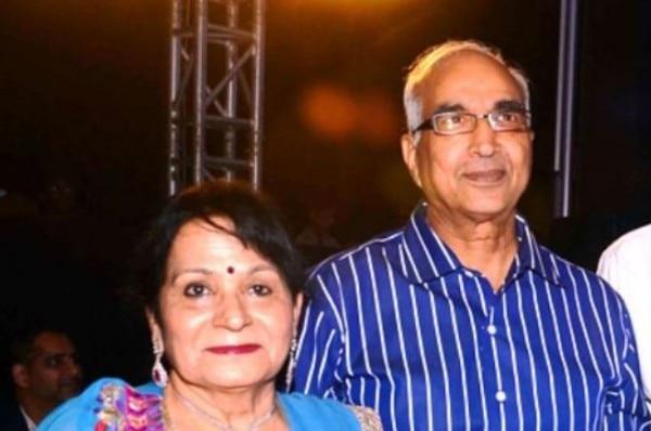 राज के माता-पिता. बाल कृष्ण कुंद्रा और उषारानी कुंद्रा.