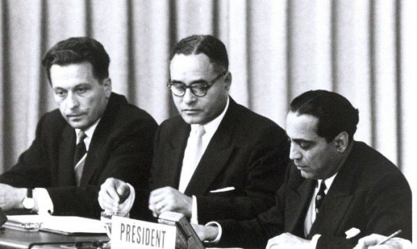 Bhabha (right) At The International Conference On The Peaceful Uses Of Atomic Energy In Geneva, Switzerland, 20 August 1955 (1)