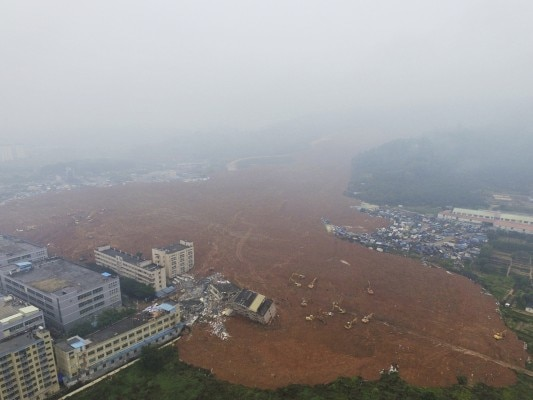 CORRECTION China Building Collapse