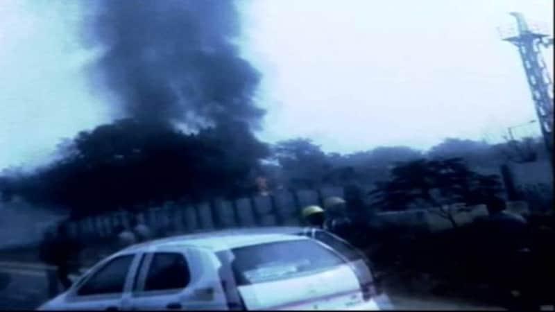 दिल्ली: BSF चार्टर्ड प्लेन क्रैश में 10 लोगों की मौत