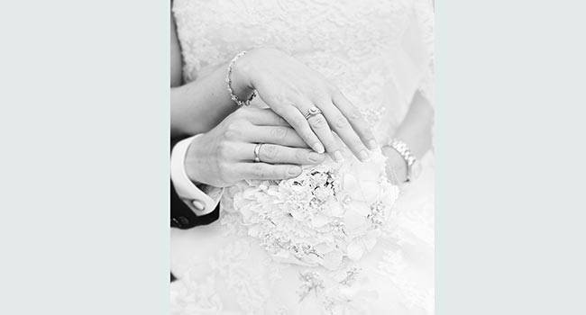Select and purchase wedding rings