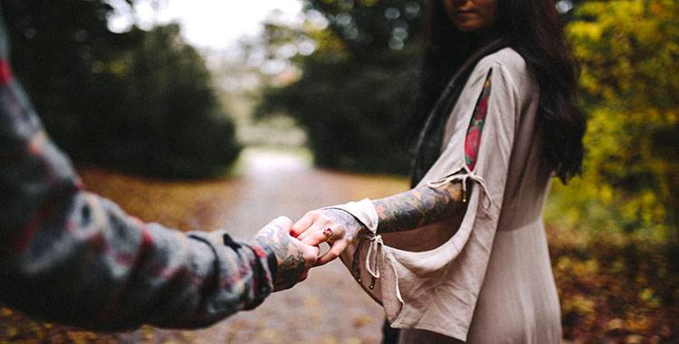 5 signs it's time to let go of someone you love