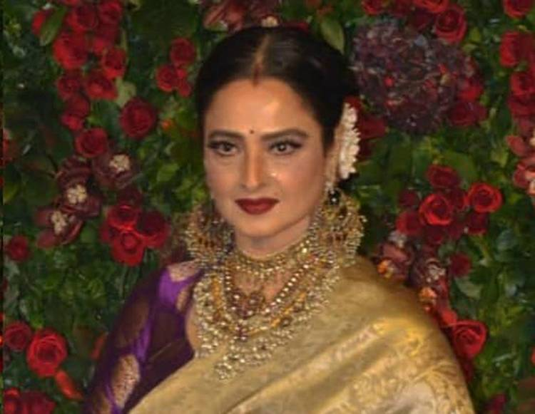 Ranveer Deepika's reception party: Rekha looks slayer, check her sari's pallu