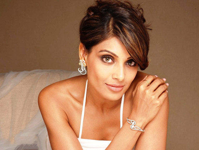 Amar Singh Bipasha Basu Audio Sex It Was One Of The Most Sensational Scandals Between A Hot Bollywood Actoress And An Ageing Politician