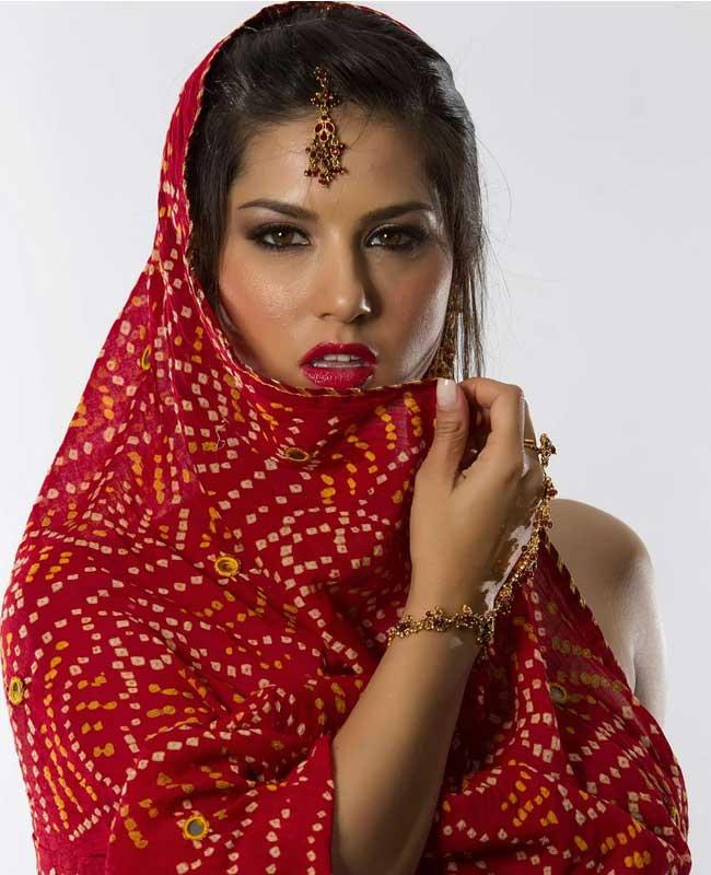 Porn Star Sunny Leones Hot New Look-3868
