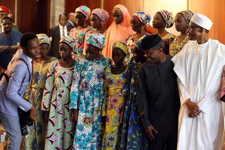 21 लड़कियों को जब बोको हराम से छुड़ाया गया.