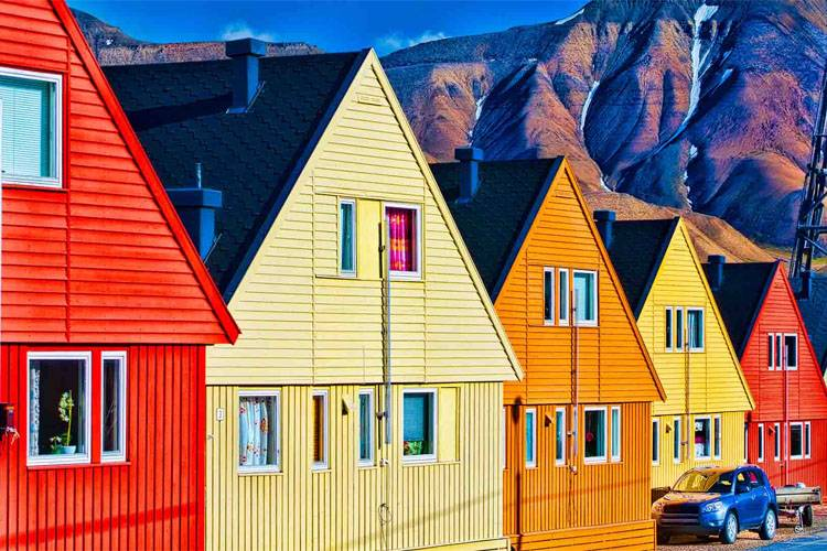 Turns out, Longyearbyen has a population of 2,000 people. Photo Courtesy: Facebook