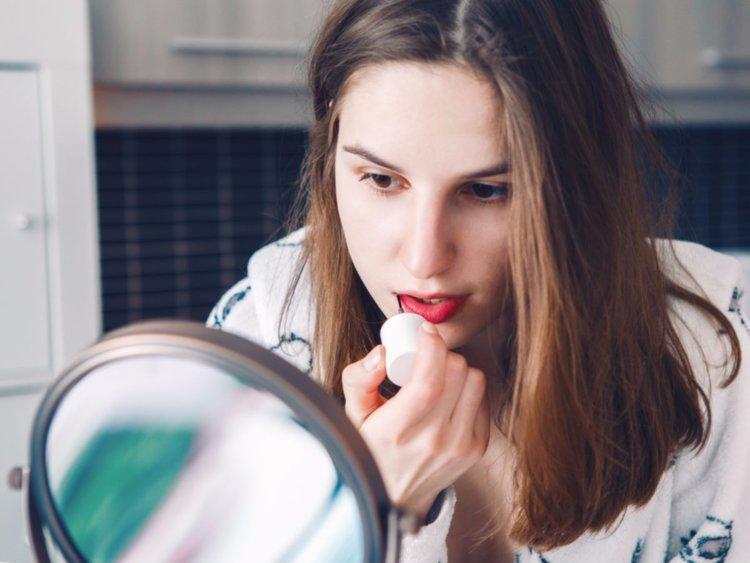 lipstick-1_022719060941.jpg