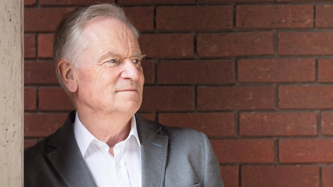 Jeffrey Archer: 'I'm Surprised Vikram Seth Is Not The Captain Of The Indian Cricket Team!'