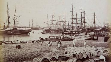 Shipping in the Hooghly, Calcutta (Kolkata), by Samuel Bourne Albumen print, 8.6 x 13.3 in, c.1860. Image Courtesy: Museum of Art & Photography, Bengaluru