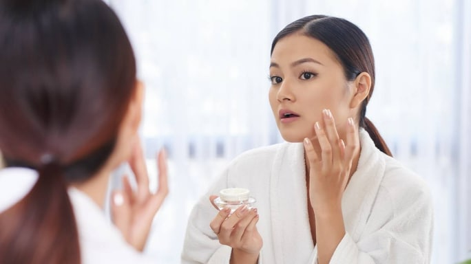 What Makes BB Cream A Multitasking Hero And Why You Should Carry It In Your Bag