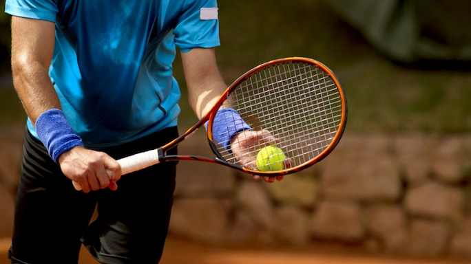 What to Consider When Choosing a Tennis Racket
