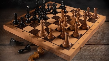 You Love Playing Chess While On The Go? A Travel Chess Set Is What You Need