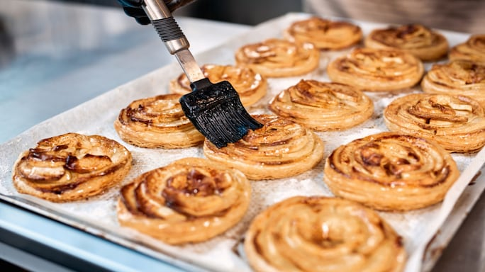 What To Look For In A Pastry Brush